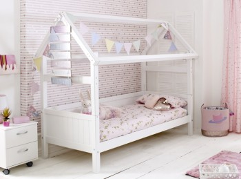 Flexa Nordic Playhouse Bed 1 With Grooved End Panels