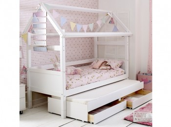 Flexa Nordic Playhouse Bed 2 With Flat White End Panels And Trundle Bed With Drawers