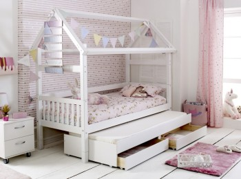 Flexa Nordic Playhouse Bed 2 With Slatted End Panels And Trundle Bed With Drawers