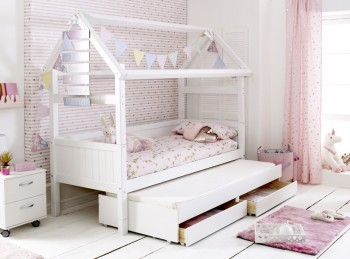 Flexa Nordic Playhouse Bed 2 With Grooved End Panels And Trundle Bed With Drawers