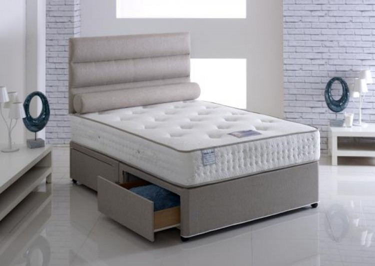 Vogue latex paedic 4ft6 double divan bed by vogue beds for Double divan bed with firm mattress