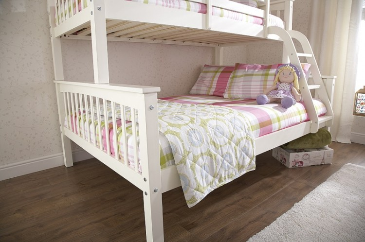 gfw novaro white wooden trio triple sleeper bunk bed by gfw. Black Bedroom Furniture Sets. Home Design Ideas