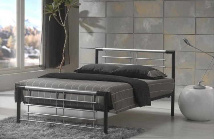 Metal Beds Atlanta 4ft6 Double Silver And Black Metal Bed