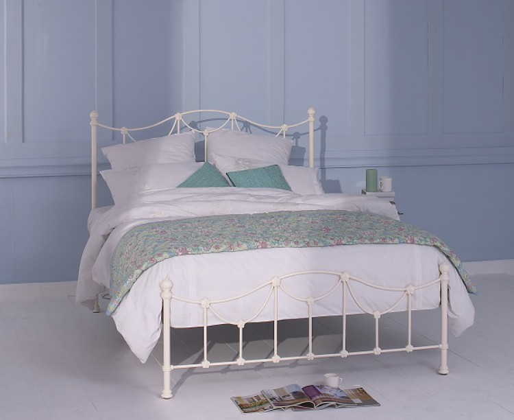 Obc Carie 4ft 6 Double Glossy Ivory Low Footend Metal Bed