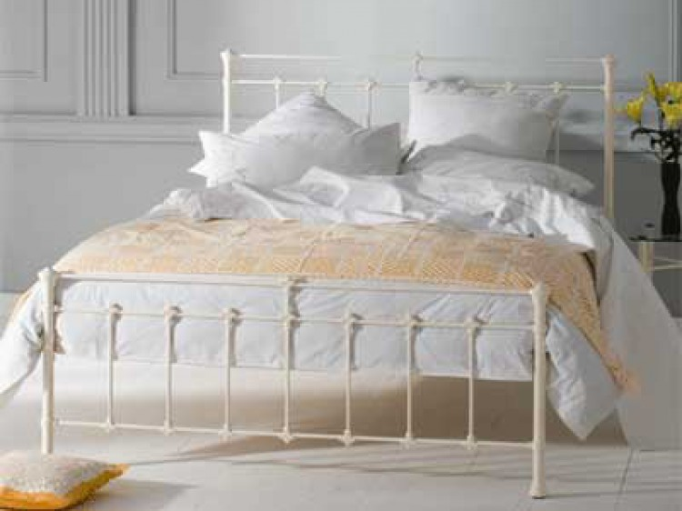 Obc Edwardian 4ft 6 Double Glossy Ivory Metal Bed Frame By
