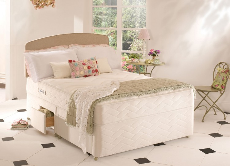 Sealy Memory Support 4ft6 Double Posturepedic With Zoned Foam Divan Bed By Sealy
