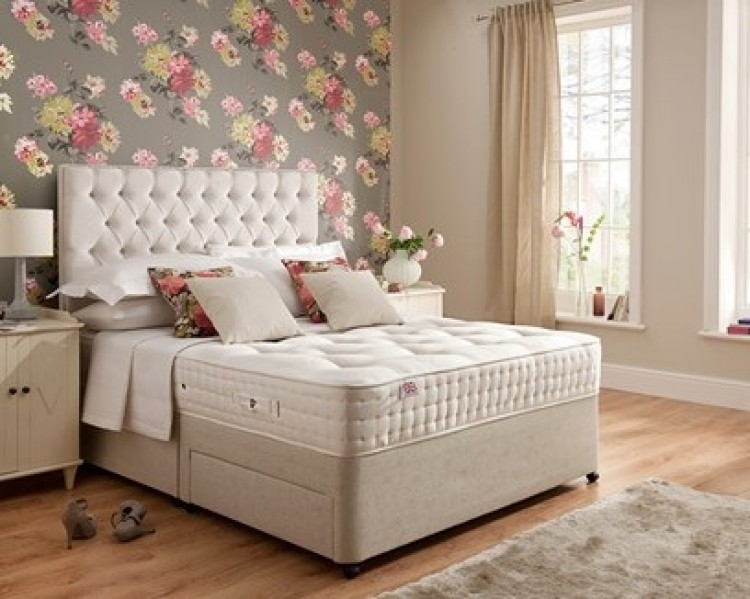 Rest assured boxgrove 4ft6 double 1400 pocket divan bed by for Double divan bed without mattress