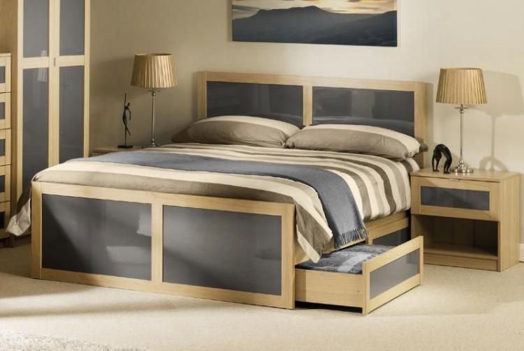 julian bowen strada 4ft6 double light oak and smoked gloss wooden bed frame by julian bowen. Black Bedroom Furniture Sets. Home Design Ideas